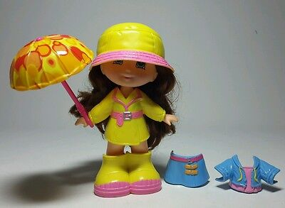 FISHER-PRICE SNAP N' STYLE RAINY TIME GRACE w/ 2 OUTFITS & UMBRELLA - BROWN HAIR