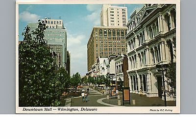 Postcard Wilmington Delaware Beautiful Downtown Mall Vintage Chrome
