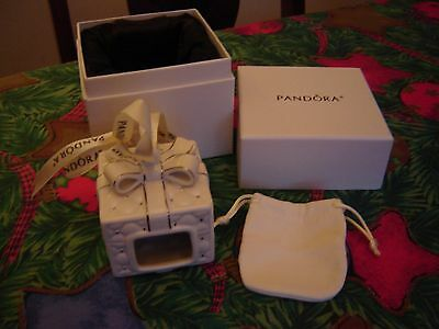 Pandora 2016 Christmas Present Ornament and Charm Pouch in Box - New