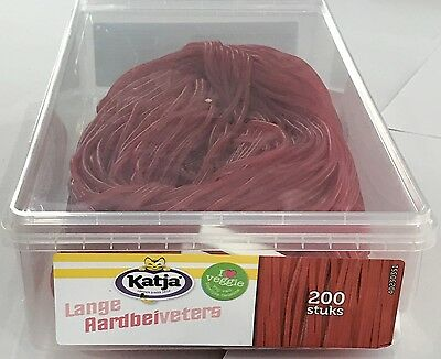 1.4kg BOX OF LONG STRAWBERRY LACES! - LIQUORICE - APPROX 200 PIECES - NEDERLANDS