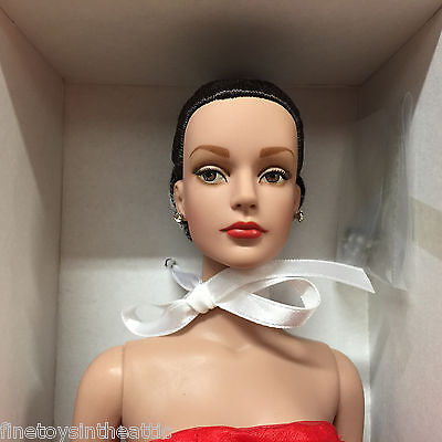Tonner Sydney 'Holiday Gala' NRFB brunette updo chiffon gown red