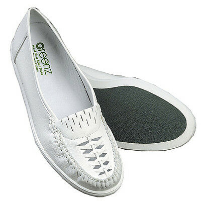"GREENZ ""VICKI"" LADIES SLIP-ON BOWLS SHOE - WHITE, various sizes.  FREE POSTAGE."