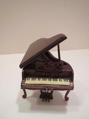 Dollhouse Miniature Bespaq Baby Grand Piano Ornate 1:24 Scale NWP