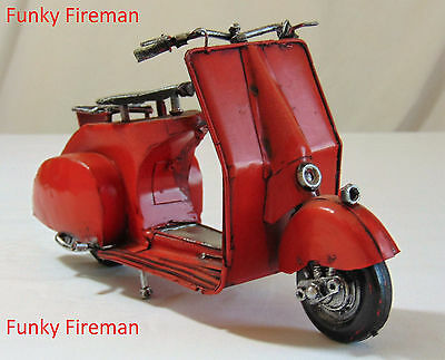 Vintage model tinplate scooter ~ Lambretta Vespa ~ classic retro cool ornament