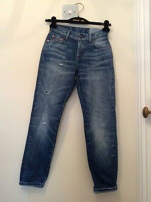 Vintage Levis High Waisted Jeans. Size 6.