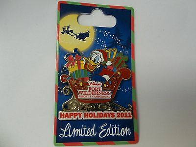 Disney  Donald / Happy Holidays Fort Wilderness Resort & Campground Pin - LE1000
