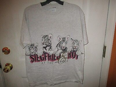 Siegfried & Roy at the Mirage White Bengal Cubs T Shirt ADULT LARGE