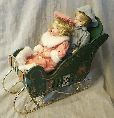 christmas around the world Porcelain kids with sleigh in box