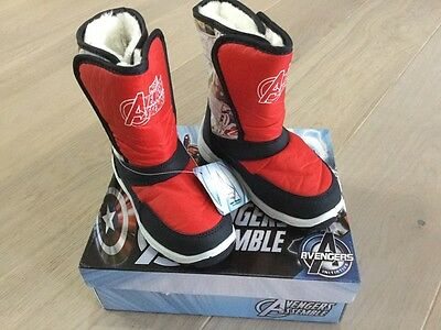Brand new- kids snow boots- size c6- avengers