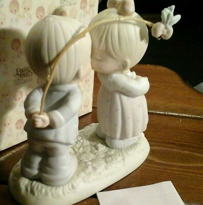 Precious moments figurine 523747  BLESSINGS FROM ABOVE