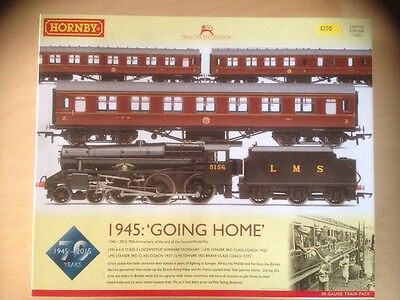 Hornby R3299 'Going Home' OO Train Pack LIMITED EDITION ~Ex Shop Stock~
