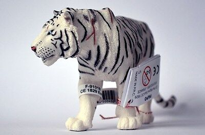 White Tiger Animal Model Figure - Papo 50045 - CLEARANCE PRICE
