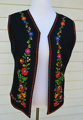 Vintage Embroidered Hungarian Folk Art Black Vest Floral Embroidery Women L / XL