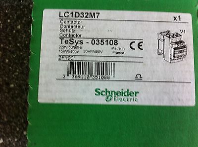 Schneider LC1D32M7     3P Contactor with 3no Contacts, 32A, 220V ac Coil