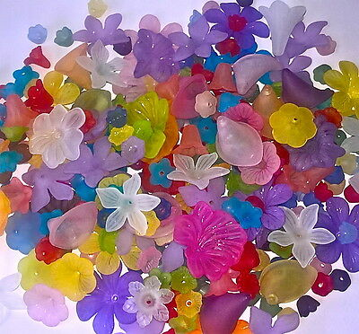 200 x Frosted Acrylic Flower Beads Lucite Style Mixed Assorted Leaves Roses R4