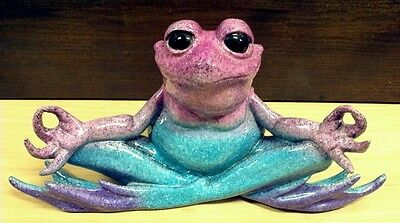 """Rare piece - Kitty's Critters  """"Nirvana"""" Frog  - Rare estate find"""