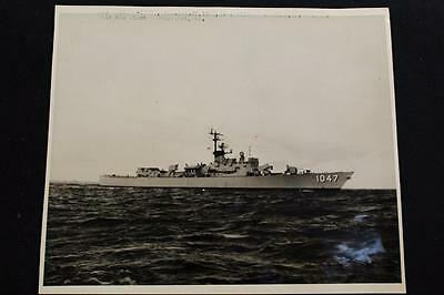 Military Ship Photograph Uss Voge (De-1047) Real Photo (P724)