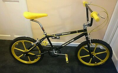 Gt dyno VFR Specc'd up old school bmx STUNNING RETRO VINTAGE BIKE LOOK NEW PICS