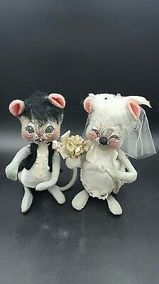 Vintage 1965 Annalee Doll Mouse Bride and Groom Couple Gray 7 inch