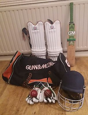 Cricket Set (Bat, helmet, gloves, batting pads and 2 corkys) [COLLECTION ONLY]