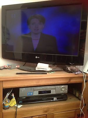 Sony Video Player Recorder SLV SE720 With Remote