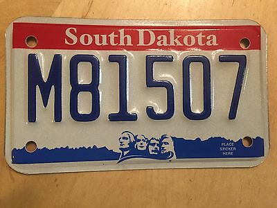 """Mint  South Dakota Motorcycle Cycle  License Plate """" M 81507 """" Sd Mt Rushmore"""
