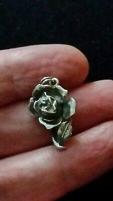 Sterling Silver Nuvo Bee in Rose Charm Opens