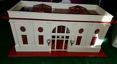 Mth 10-1070 Tinplate #116 Double Passenger Station Red & White