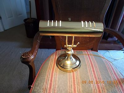 Vintage Adjustable Polished Brass Piano Lawyers Bankers Student Desk Table Lamp