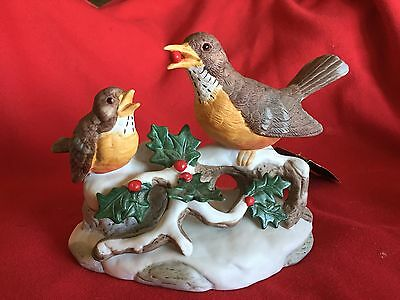 House Of Lloyd Christmas Robins Collectible Porcelin Perfect Condition