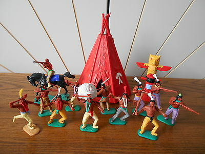 WIGWAM/TEEPEE + TOTEM POLE Native American Indian toy soldier lot TIMPO SWOPPETS