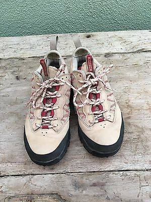 Women's Nike ACG Hiking Air Mada Size 7. Used once
