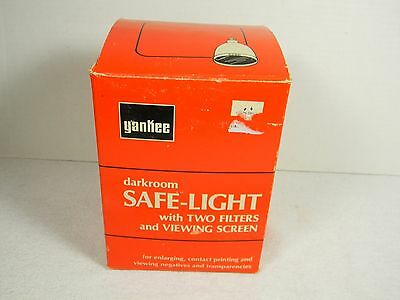 Vintage Yankee Safe-Lite w/ Two Filters Darkroom Film Photography Light