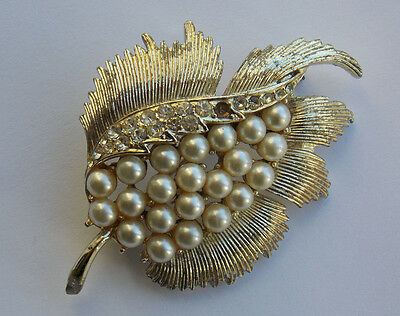 Vintage Jewelcraft (UK Corocraft)  signed leaf brooch with faux pearls. 1960s