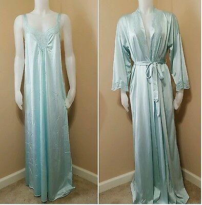 Vintage Vanity Fair 2 Piece Nightgown Robe Lace Set Baby Blue