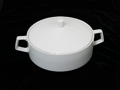 Vintage 1950s NEW MOON #3919  Covered White Casserole Dish Japan  1599