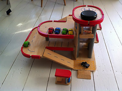 Plan Toy Wooden Parking Garage with 5 cars