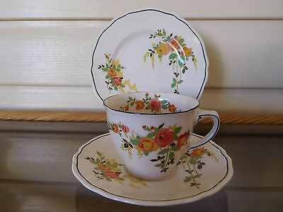 """Vintage Royal Doulton """"Rosslyn"""" Trio 5399 Made In England 1930s"""