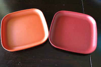 VINTAGE TUPPERWARE TV/OUTDOOR/CAMPING Luncheon/snack plates - SET OF 2