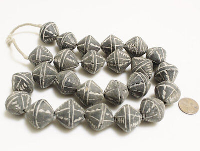 Black and White African Beads (25) ,Mali Clay Beads (O-80)