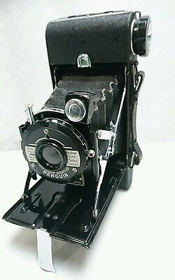 Vintage Kershaw Eight-20 Penguin Folding Camera in case (0080)
