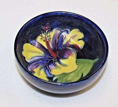Vintage  Moorcroft Pottery Anemone Small Bowl Potter To Late Queen Mary England