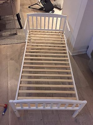 White Toddler Bed And Mattress