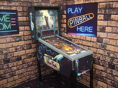 The Addams Family Bally 1/6 Scale Pinball Machine Model Figure Collectibles