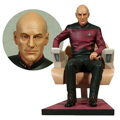 HCG Hollywood Collectibles Star Trek: Captain Picard 1:6 Scale Statue