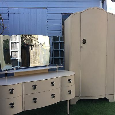 Cream Vintage Style Wardrobe And Dressing Table
