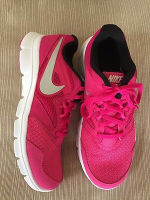 Nike Youth Flex Experience 3- Size 5Y (NEW!)