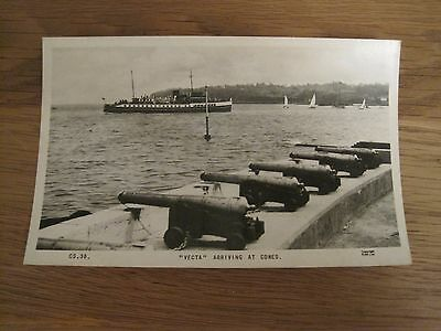 Vintage Rp Postcard Vecta Arriving At Cowes Isle Of Wight Frith Series