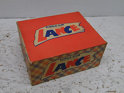 VINTAGE LANCE Bubbe gum EMPTY BOX look at the pics 10x4.5x8.25