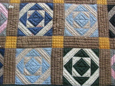 Beautiful fixer upper quilt early 1900's Mosaic pattern hand quilted